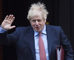 Remontowe fiasko u Borisa Johnsona. Kosztowne tapety odpadają od ścian
