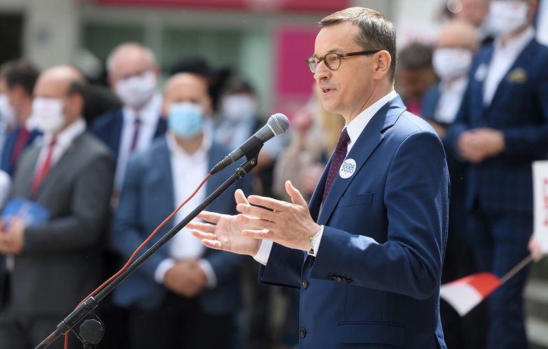 """Mateusz Morawiecki zaatakował Rafała Trzaskowskiego. """"Nieudolność, kłamstwo, lenistwo..."""""""