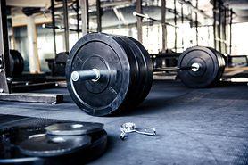 Sprzęt do ćwiczeń – trening w domu, trening na siłowni