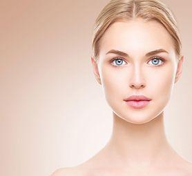 Makijaż nude - przygotowanie skóry, twarz, oczy i usta