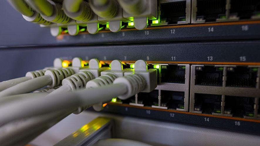 NAT to nie firewall (fot. Bruno /Germany, Pixabay)