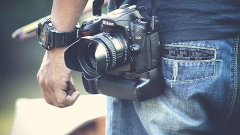 Producenci lustrzanek ani myślą chronić fotoreporterów. Lepiej sięgnąć po iPhone'a?