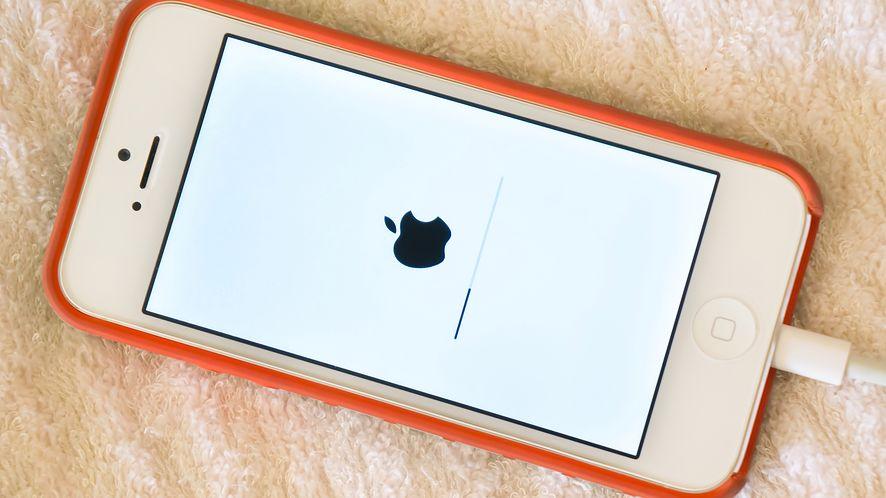 Apple udostępniło dużą aktualizację iOS-a. (depositphotos)