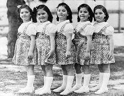 Pierwsze pięcioraczki, które przeżyły okres niemowlęcy. Tragiczne losy sióstr Dionnie