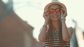 Okulary przeciwsłoneczne mają termin ważności? Rozprawiamy się z mitem (WIDEO)