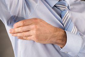 Nadmierna potliwość może być objawem choroby. Nie bagatelizuj