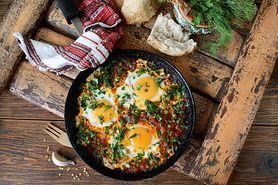 Śniadanie białkowo-tłuszczowe - czy jest zdrowe, przepisy, jakie produkty można jeść