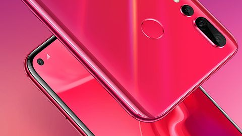 Huawei nova 4: nowy smartfon z otworem w ekranie i imponującą liczbą megapikseli