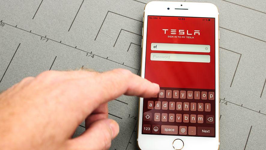 Aplikacja Tesli nie mogła połączyć się z samochodem, depositphotos