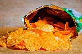Chipsy – rodzaje, wartości odżywcze, zdrowe zamienniki. Jak zrobić chipsy w domu?