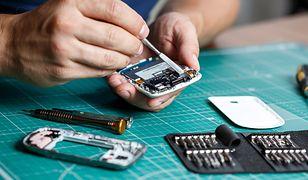 Czasami warto trochę się natrudzić i naprawić zepsuty produkt, zamiast kupować nowe rzeczy