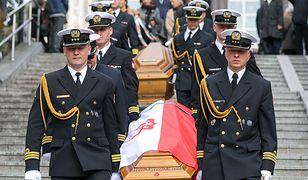 Państwowy pogrzeb admirała Józefa Unruga. Jest prezydent i szef MON