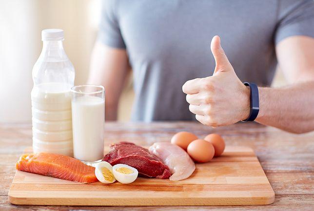 Dzienne zapotrzebowanie na białko uzależnione jest od wieku i stanu fizjologicznego organizmu.