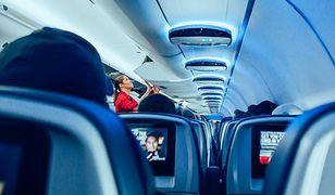 Szokujące odkrycie stewardesy. Przerażona pobiegła do pilota