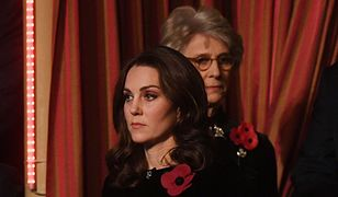 Zmęczona księżna Kate na Festiwalu Pamięci. Spójrzcie na aksamitną sukienkę!