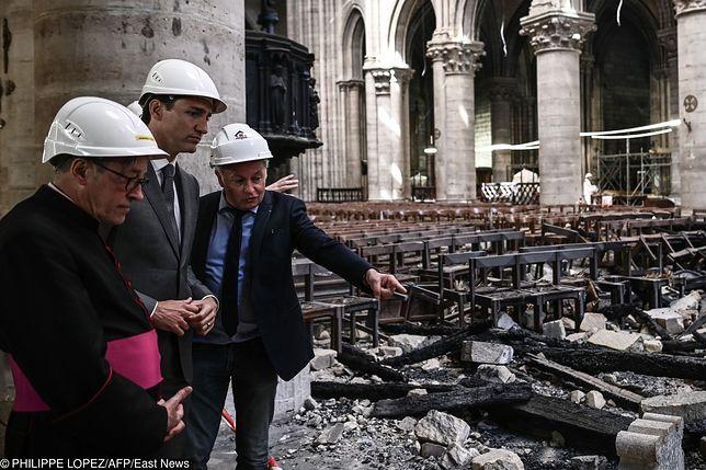 Trwają prace nad renowacją Notre Dame. Kanada oferuje drewno i stal