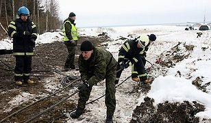 Polski samolot wyciągnięty z jeziora