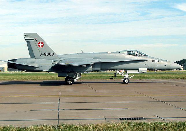 Szwajcarski samolot wojskowy F/A-18 Tiger zaginął w Alpach