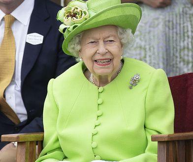 Królowa Elżbieta miała umowę z mężem. To dlatego uśmiechała się po jego pogrzebie