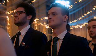 Maturzyści z I SLO Bednarska zatańczyli poloneza w jednopłciowych parach