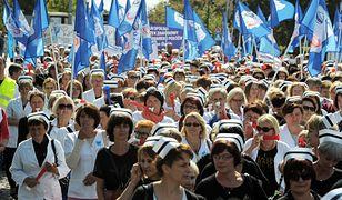Pielęgniarki i położne walczą o lepsze warunki pracy