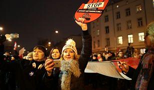 """Byłam na """"Czarnym Piątku"""" w Warszawie. Oto, co zobaczyłam"""