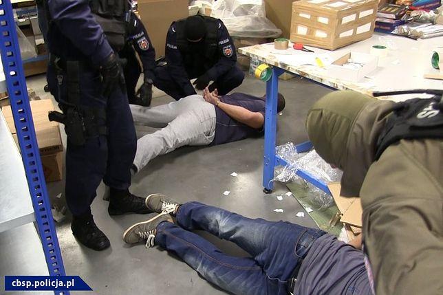 Policjanci z CBŚP rozbili międzynarodową grupę handlującą materiałami wybuchowymi