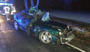 Śląskie. Tragiczny wypadek drogowy w Kozach. Nie żyje kierowca audi