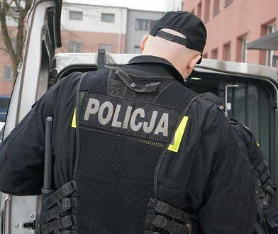Śląskie. Za znieważenie i napad na policjantów, 44-latkowi z Czeladzi grożą 3 lata więzienia.