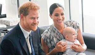 Książę Harry, Meghan Markle i Archie miesiąc po jego narodzinach.