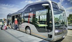 Autonomiczna komunikacja przyszłości - Mercedes Future Bus
