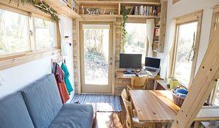 Mały dom na kółkach. Niezwykły projekt domu