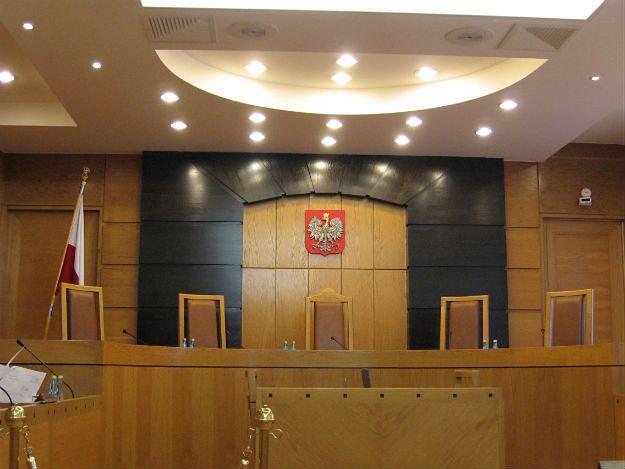 Sędziowie Trybunału Konstytucyjnego bez stopni naukowych