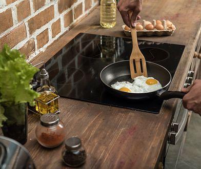 Kuchenka ceramiczna i kuchenka indukcyjna charakteryzują się podobnym designem.