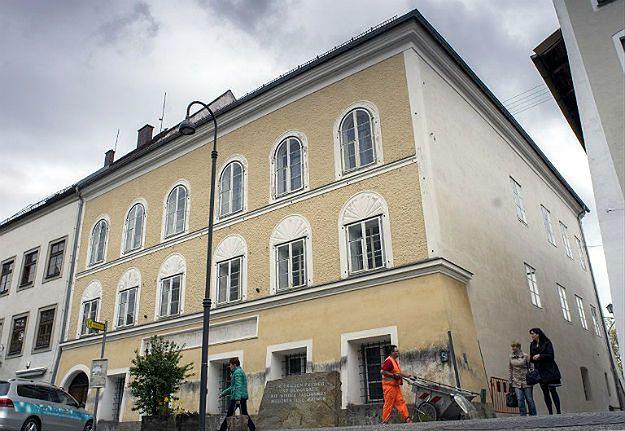 """""""FAZ"""": co zrobić z domem w Braunau, w którym urodził się Adolf Hitler?"""