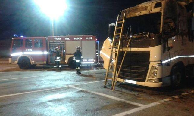 Tragedia we Włoszech. Kierowca polskiego tira spłonął w jego kabinie