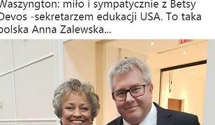 Ryszard Czarnecki myślał, że pozuje z sekretarz edukacji USA