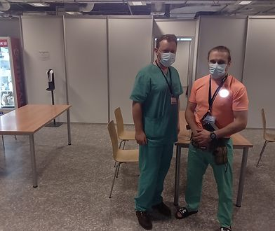 """Łukasz Szumowski pomaga w Szpitalu Narodowym. """"Mierzy się z rozpędzoną lokomotywą"""""""