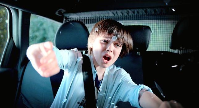 """""""Za niebieskimi drzwiami"""" : polski film dla dzieci na miarę """"Harry'ego Pottera"""". Zwiastun tylko u nas [WIDEO]"""