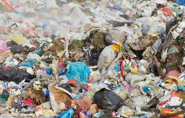 Zatrzymano matkę dziecka, którego ciało leżało w sortowni śmieci