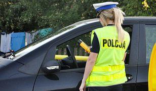 Pijany mężczyzna prowadził samochód. Policjanci mocno się zdziwili, gdy zatrzymali auto do kontroli