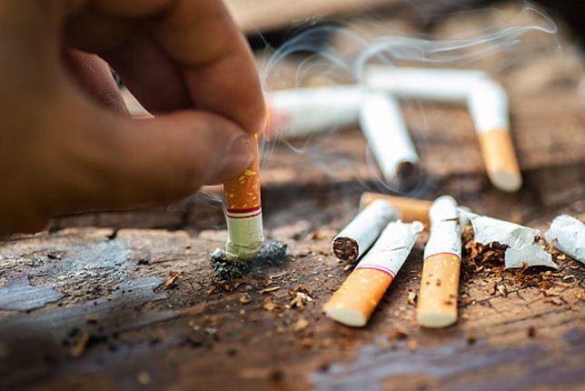Większość warszawiaków nie chce zakazu palenia na balkonach