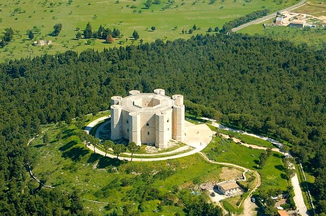 Castel del Monte - skarb południowych Włoch