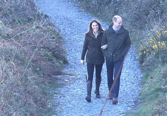 William i Kate przyłapani w objęciach. Książęca para poszła na romantyczny spacer