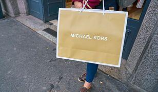 Grażyna herbu krokodyl. Nosi tylko Vuittona lub Michaela Korsa. Z Lidla