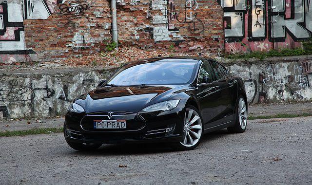 Tesla zawiesza program odkupu używanych egzemplarzy