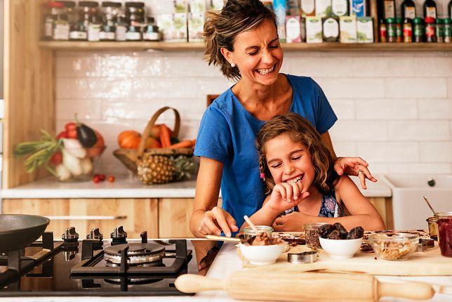 Dzieci powinny mieć obowiązki domowe, ponieważ pozwalają one kształtować charakter i tworzyć bliskie relacje rodzinne