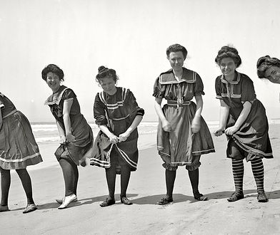 Od nagości do nagości - historia stroju kąpielowego