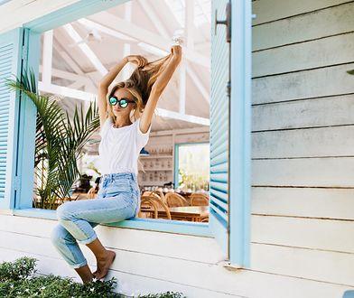 Jak nosić spodnie z wysokim stanem? 3 pomysły na letnie stylizacje