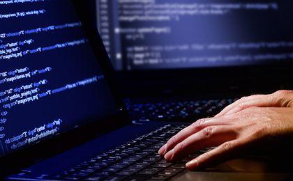Hakerzy manipulowali kursem rubla. Zagrożone 100 instytucji finansowych na całym świecie